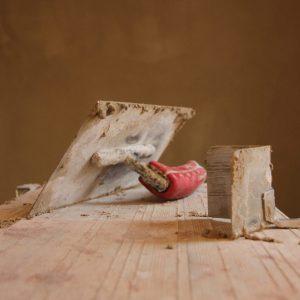 KalkKind Sumpfkalk Handwerk Kellle auf Podest